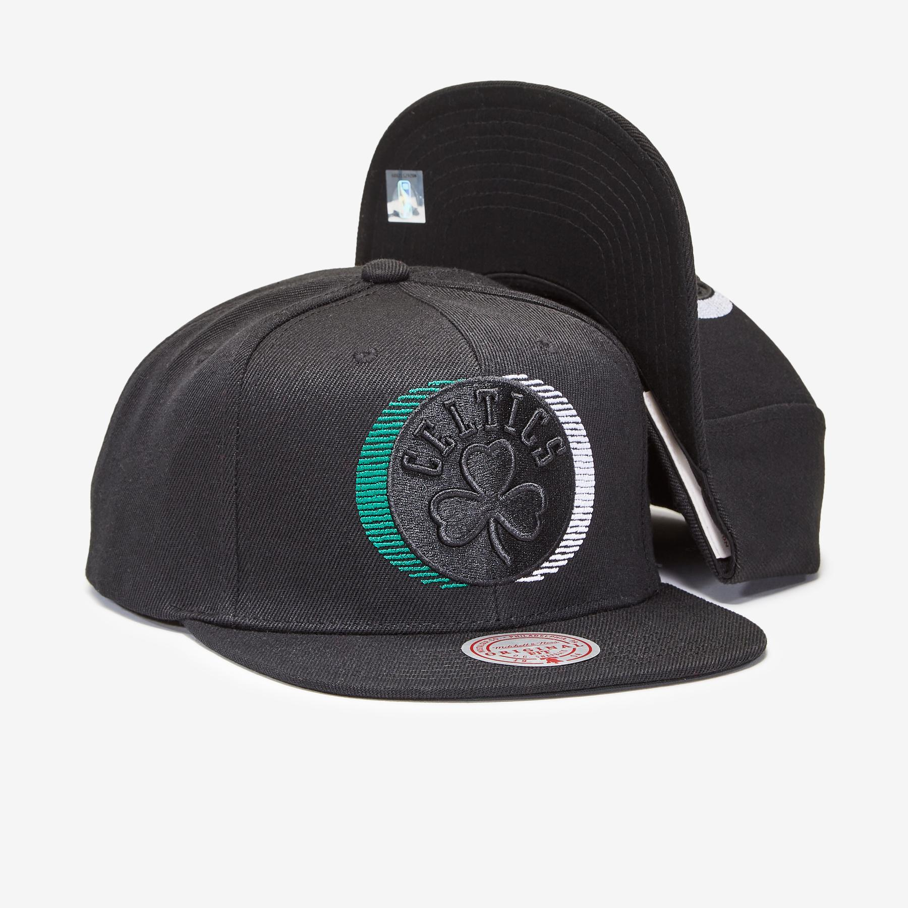 GORRO MITCHELL & NESS BLACKOUT TRP SLICE CELTICS