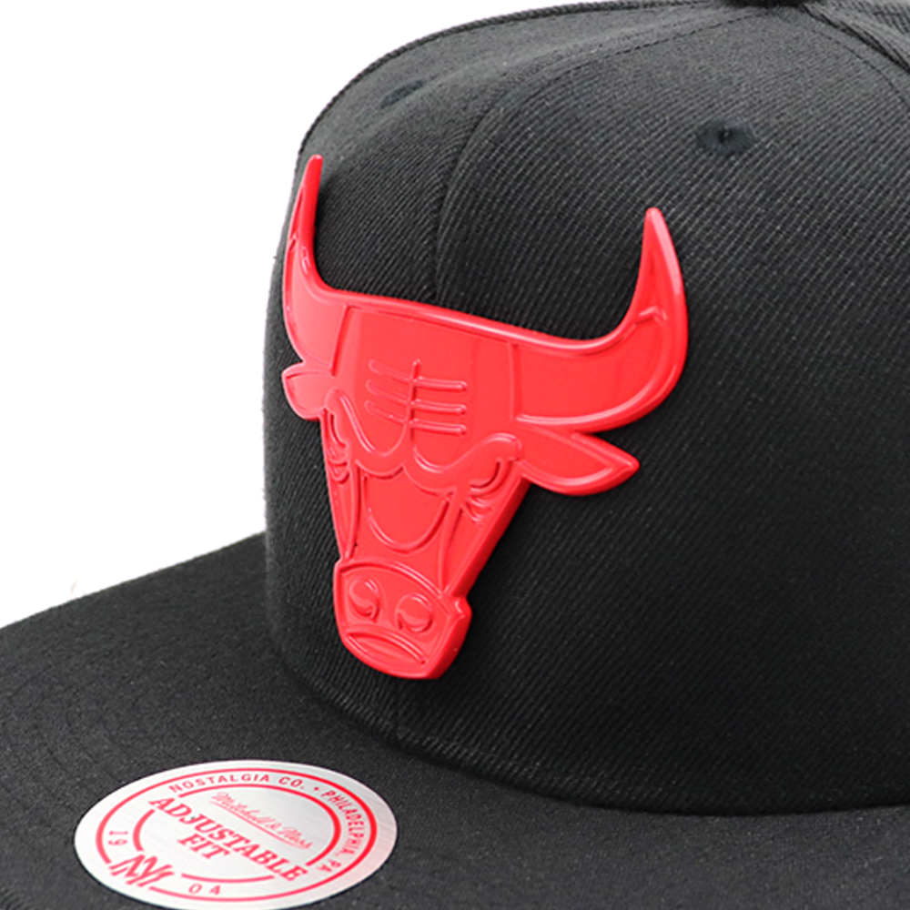 GORRO MITCHELL AND NESS NBA XL METAL BROACH BULLS NEGRO