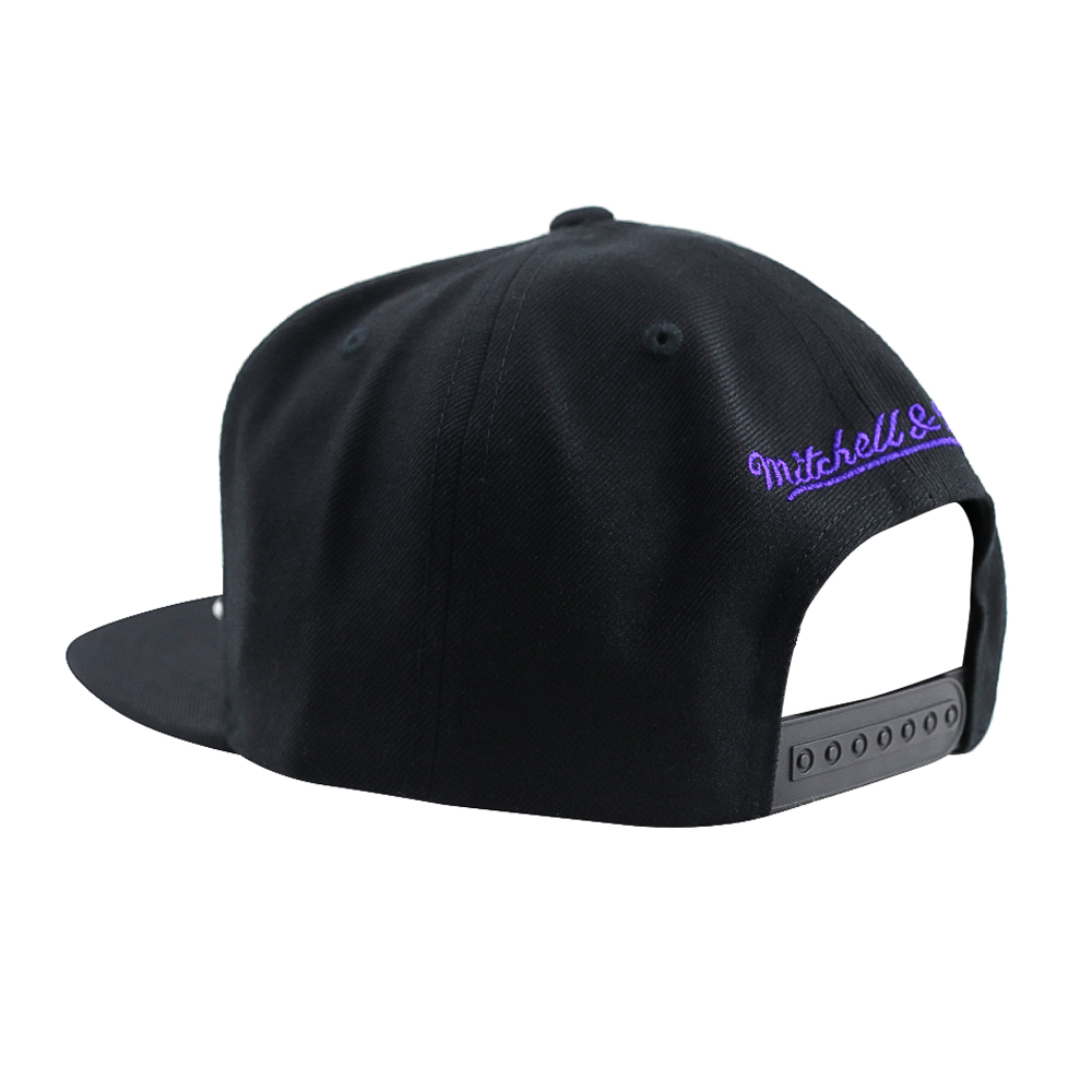 GORRO MITCHELL AND NESS  LAKERS  SNAPBACK BLACK/PURPLE