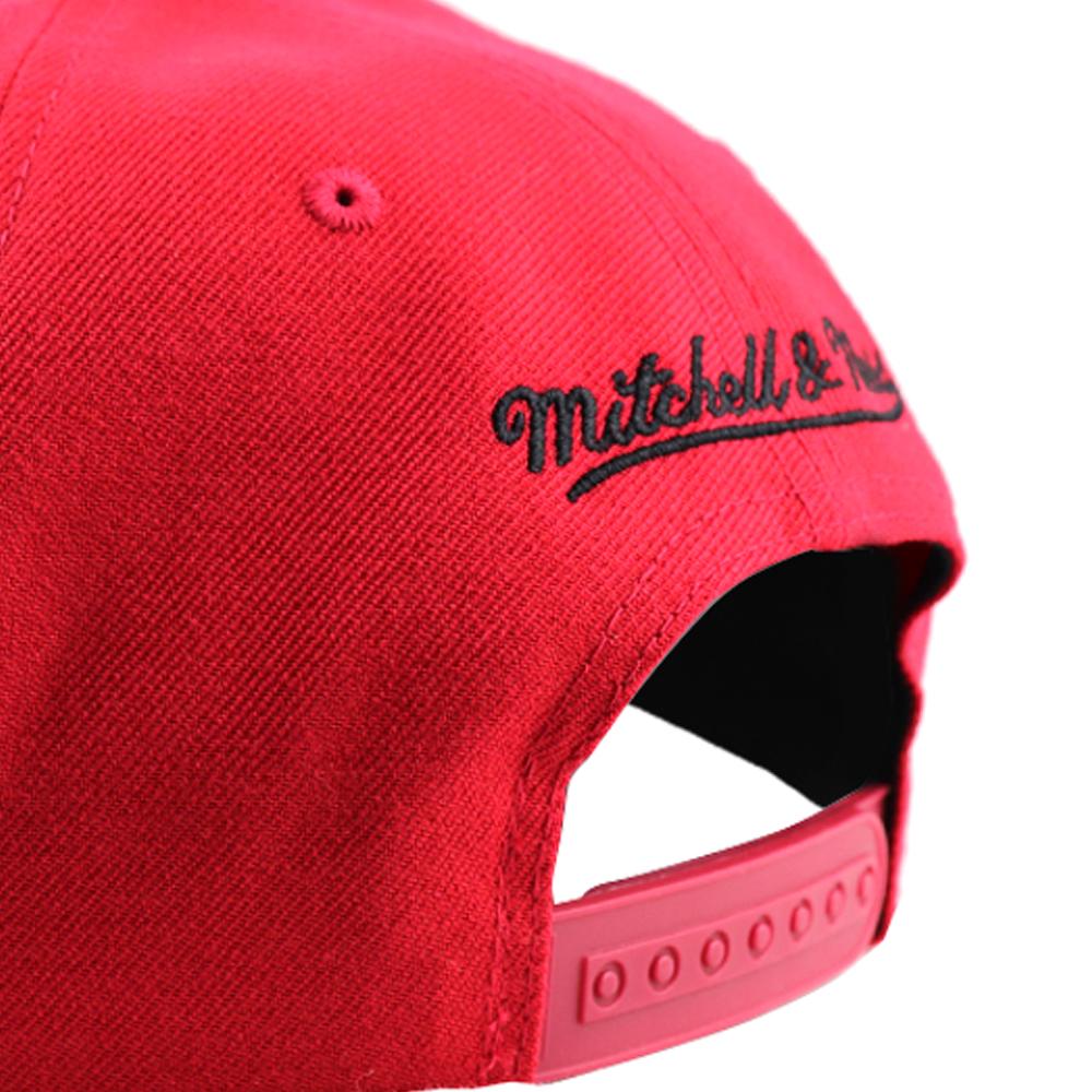 GORRO MITCHELL AND NESS CHICAGO BULLS SNAPBACK RED /BLACK