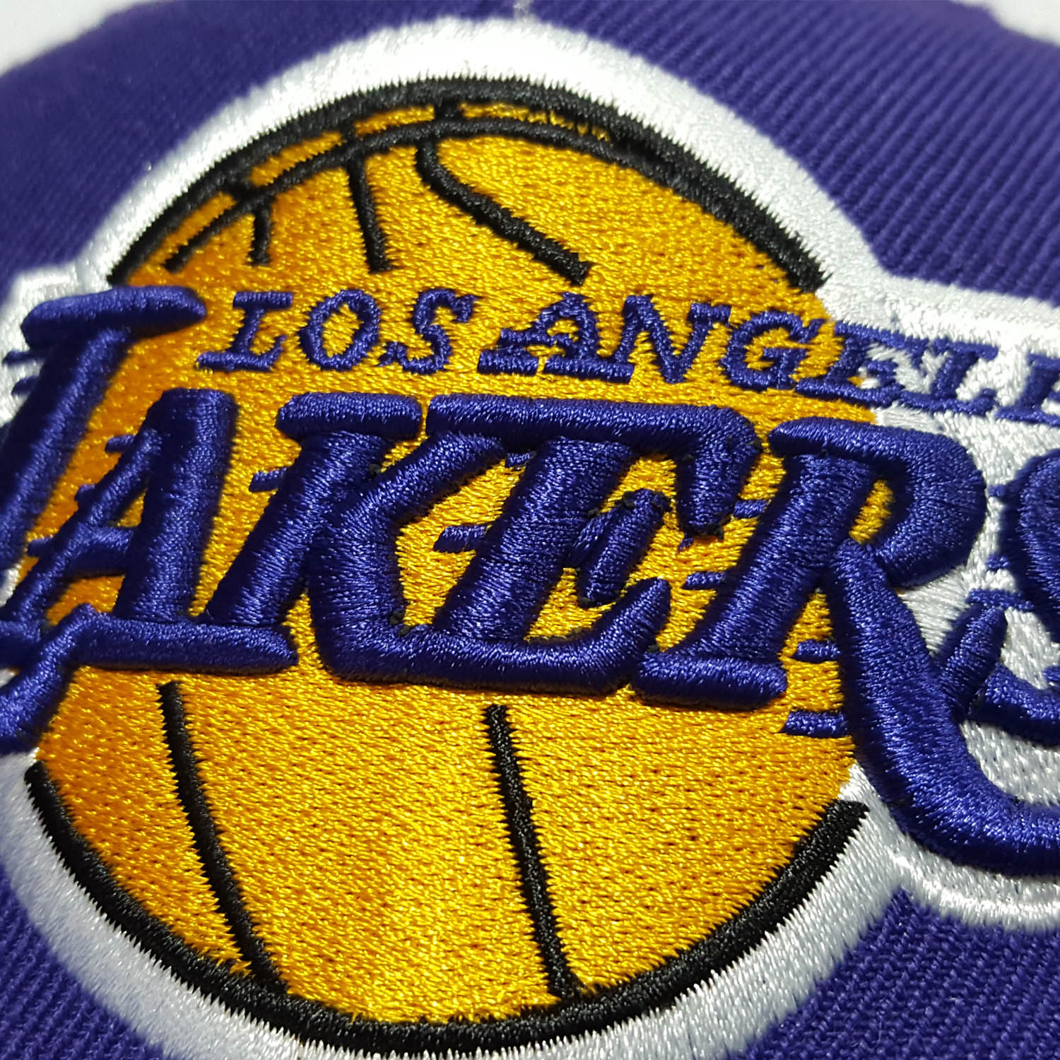 Gorro Mitchell And Ness Lakers NBA TG Snapback Morado